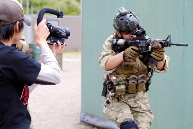 岸和田のサバイバルゲームフィールドで銃撃女子★SGS9シリーズ新作の撮影してました。