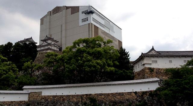 姫路城は大天守保存修理工事中!