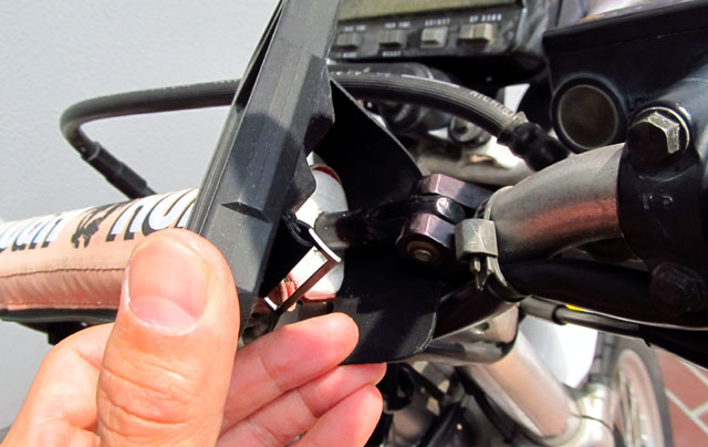 iPhone 自転車ハンドル ホルダー