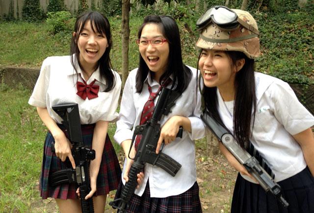 パルスライフル!撮影してたぜ、軍曹どうでしょう?スペシャルゲストもお迎えだ。