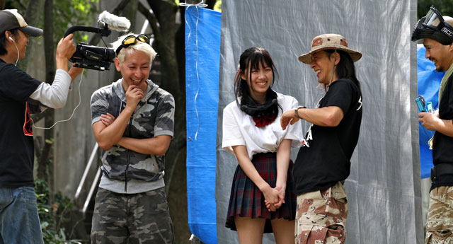 「キャット・シット・ワン」監督、笹原和也さんと撮影!Filming with Director of Cat Shit One.