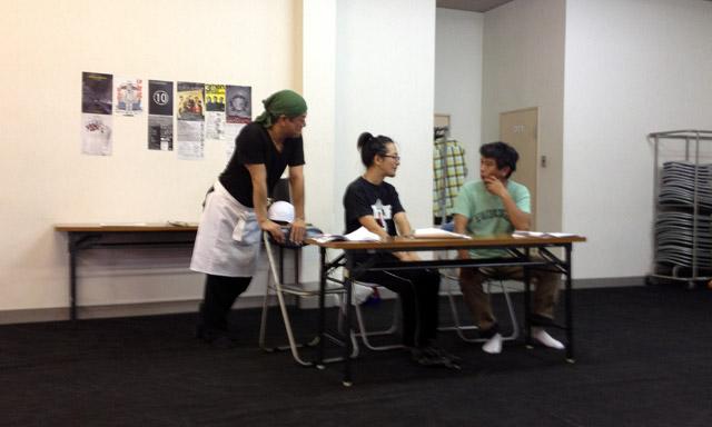 タケシタさんと三人の男たち。大阪公演が無事に終了!Well done! Finished our theatrical stage in Osaka.
