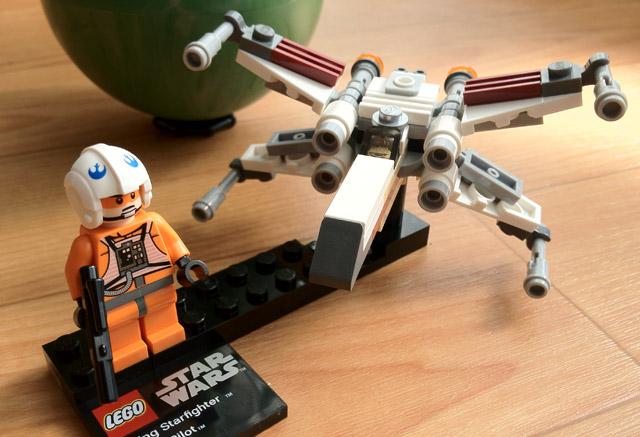 レゴ Xウイングファイター&ヤビン4 X-wing Fighter & Yavin 4 LEGO StarWars