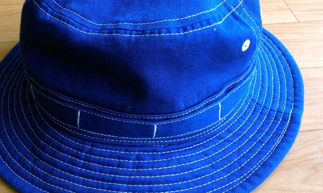 鮮やかな青色に惹かれて帽子を買ってしまった!I bought fresh blue color hat.
