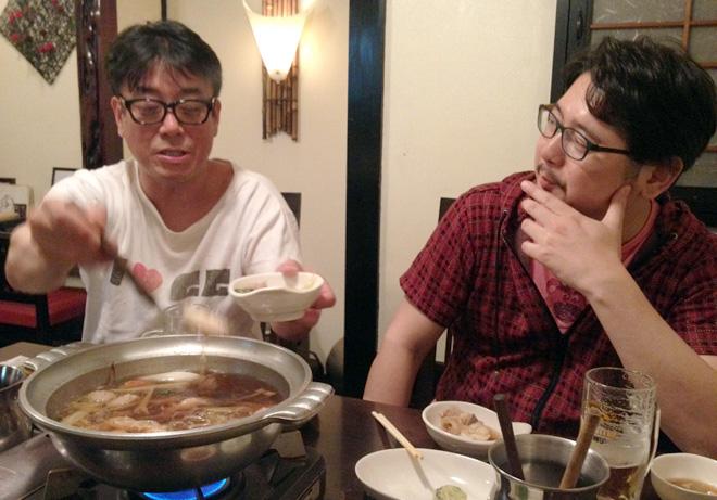オカモト國ヒコとTEAM54プロデュースの打ち合わせ in「うなばら」。