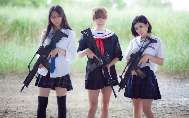女子高生とミリドル「軍神みやじま」と写真撮影の日。MG42に大興奮しちゃった!
