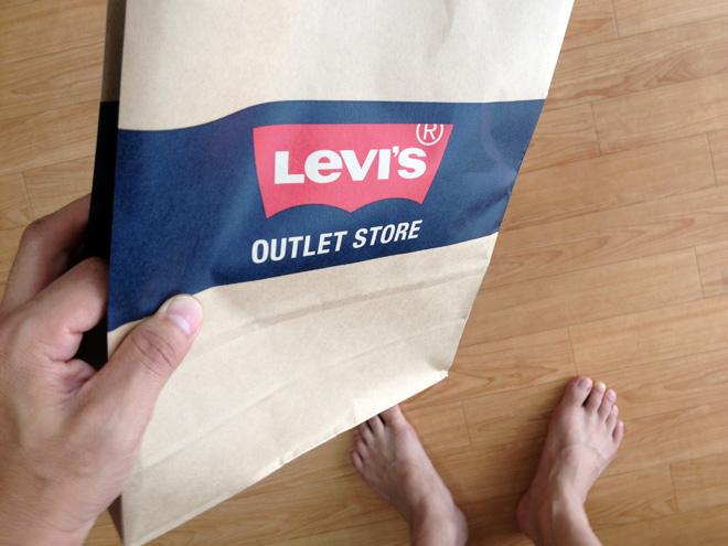 Levis 短パン