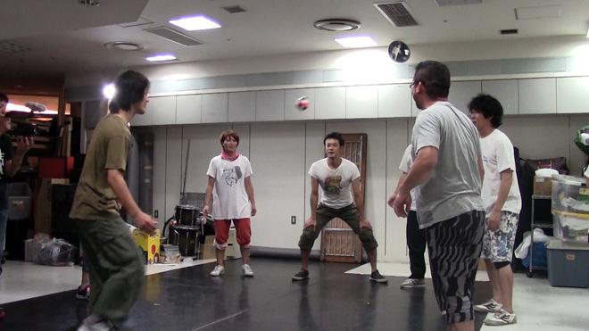 ケマリ?KEMARI? それは蹴鞠(けまり)だからな!新しいスポーツに挑戦!YouTubeエンタメウイーク。