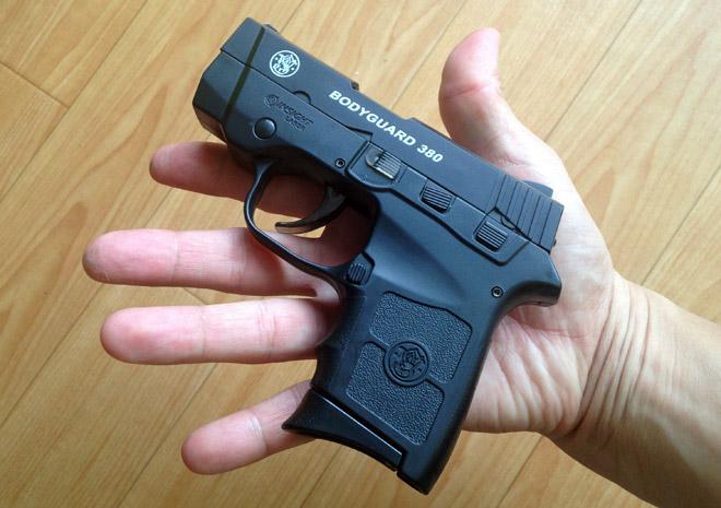 リアルなサブコンパクトガンだぜ!【ボディーガード380 クラウンモデル】エアコキ銃 S&W Bodyguard 380 Airsoft Gun