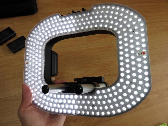 強烈なキャッチライト可能?【大型リングLEDライト】を買って女子たちに光を当てまくるぞ!