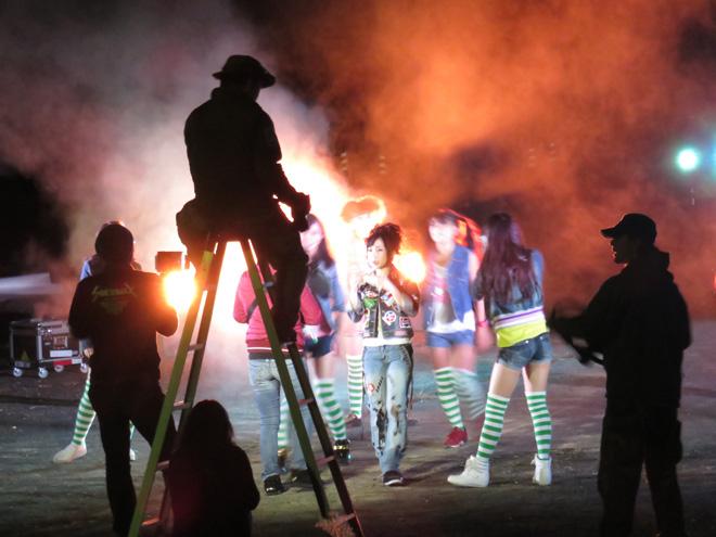 盛りだくさんな夜の撮影「カメレオン少女」のミュージックビデオのロケのため、岸和田の大阪グリーンキャニオンさんへ行ってきましたよ。