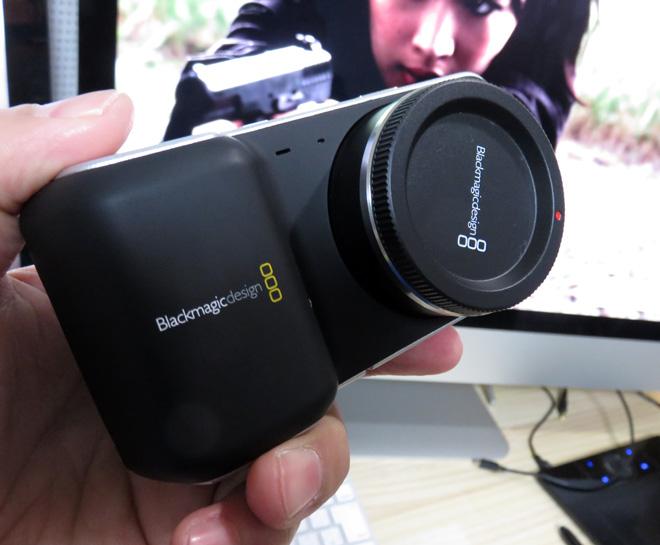 使いやすくなった?【BMPCC / ブラックマジック・ポケットシネマカメラ】のフェームウェアをアップデートしてみた!