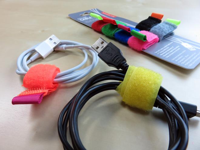 結束せよ!【キッカーランド カラーケーブルタイ Kikkerland COLOR CABLE TIES】ケーブル類をまとめるカラフルなガジェット。
