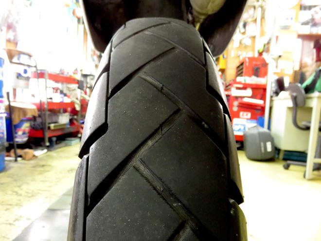 扁平タイヤよ、いざさらば!【XR250 BAJA MD30】リアタイヤとチェーンスライダー交換!