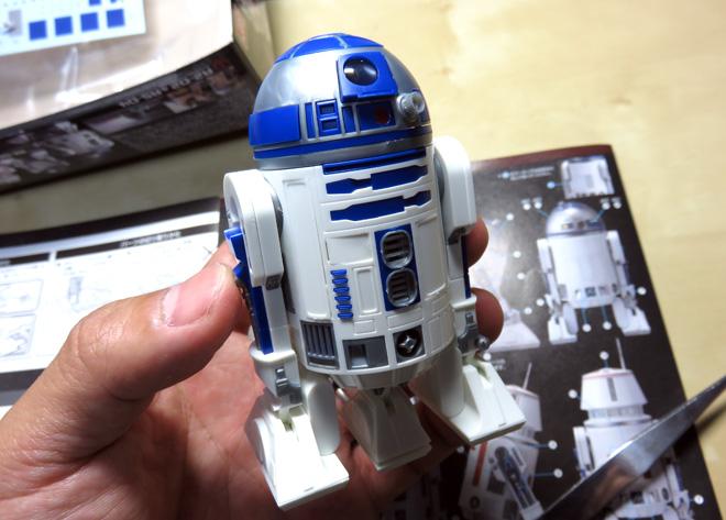 【R2-D2】1/12スケールのプラモデル。久しぶりにプラモ作った!2台セット、精度・完成度も高くて満足じゃッ!