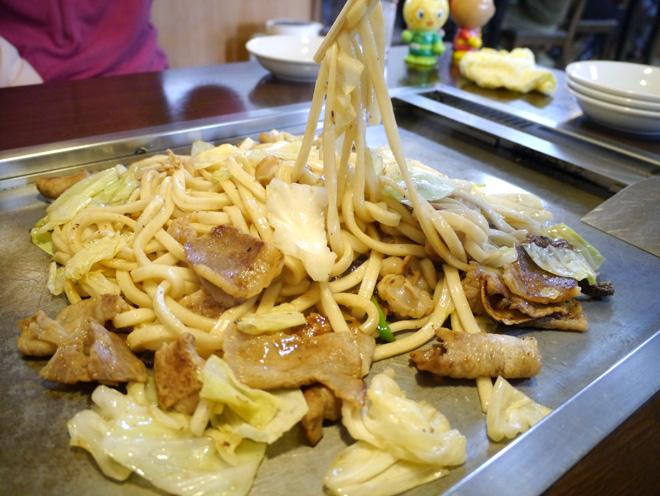 ホルモン焼うどんを【佐用町(兵庫県)】で食べる!名物B級グルメは美味いのか?