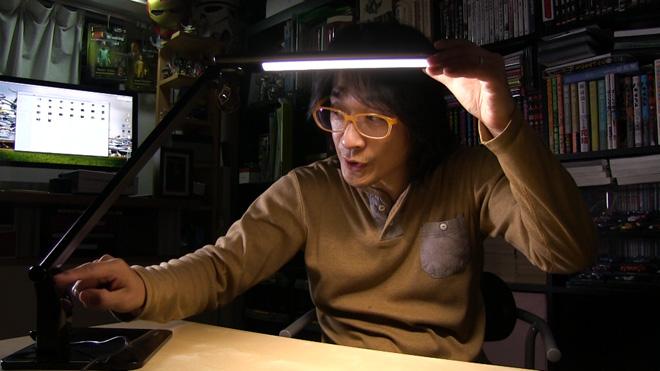 照明で使う? 【Omaker LEDデスクライト】最近のデスク周りはタッチセンサーなのね!