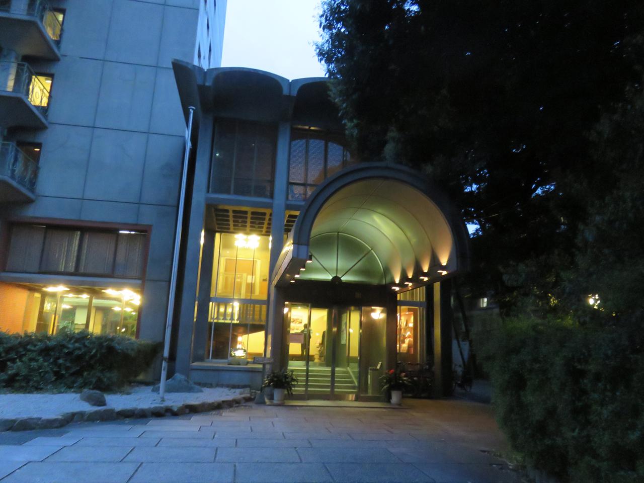 趣深いアンティークな宿?【東京さぬき倶楽部】で讃岐うどんのお土産もらおう。
